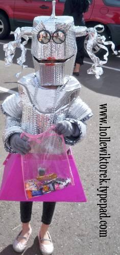 RobotGirlTrunkOrTreat