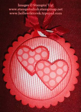 HeartScallopCircleOrnament