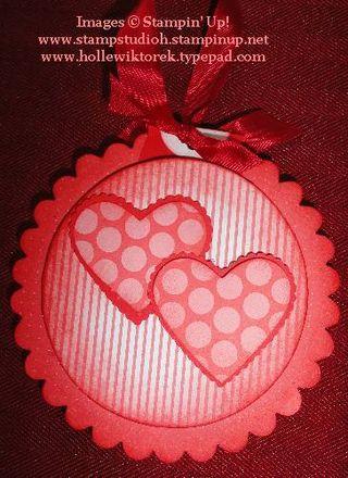 HeartScallopCircleOrnament