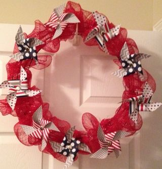 PatrioticPinwheel Wreath
